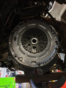 vw transporter clutch repair dual mass flywheel repair